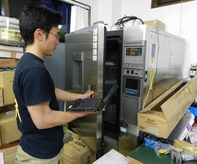 環境試験設備(恒温恒湿槽)-40℃~80℃の範囲で温度と湿度を自在に再現